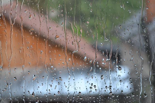 rain-862677_640